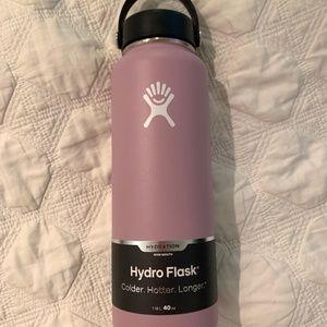 Hydro flask 40oz LILAC